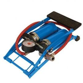 Pompe double à pied, usage intensif 470 cm³/course - 380197 - Silverline